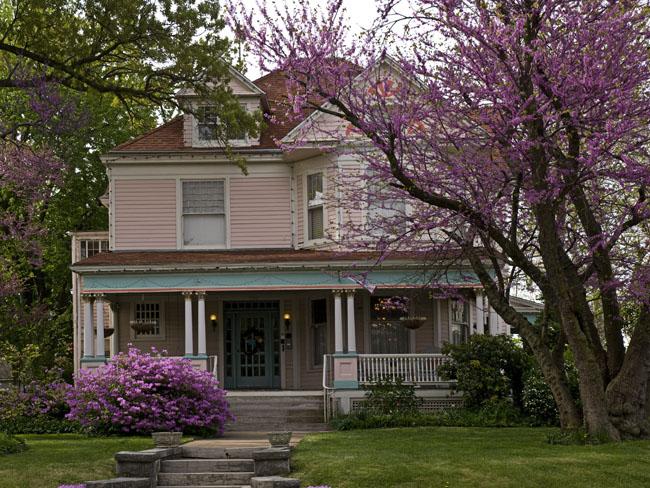 The Walnut Street Inn, Springfield's first B&B