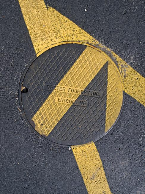 A random asphalt composition