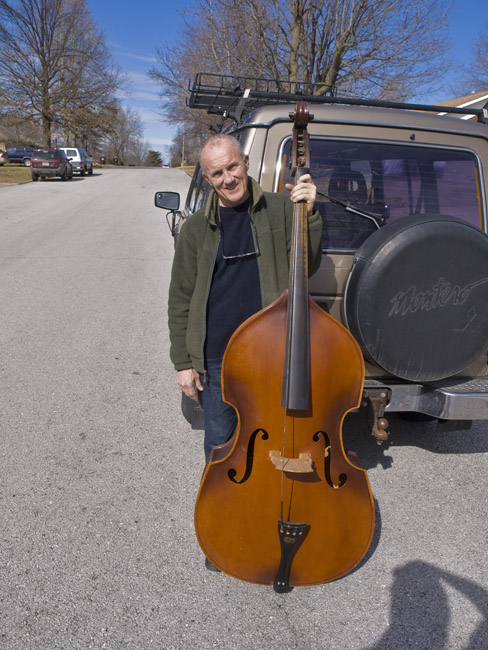 Rick Thomas and his one string Kay bass viol