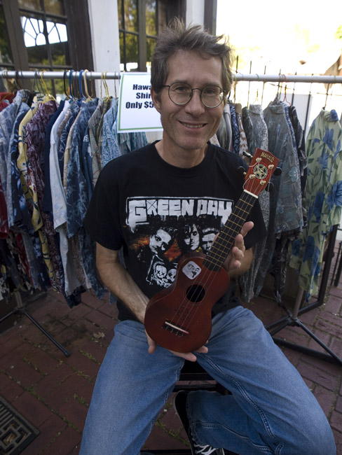 "Andy Cline and his ""P'Uke"" a punk inspired Uke"