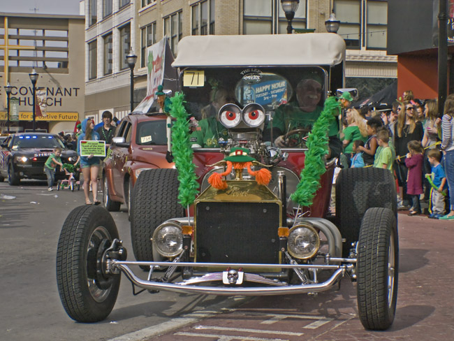 The all seeing Hotrod