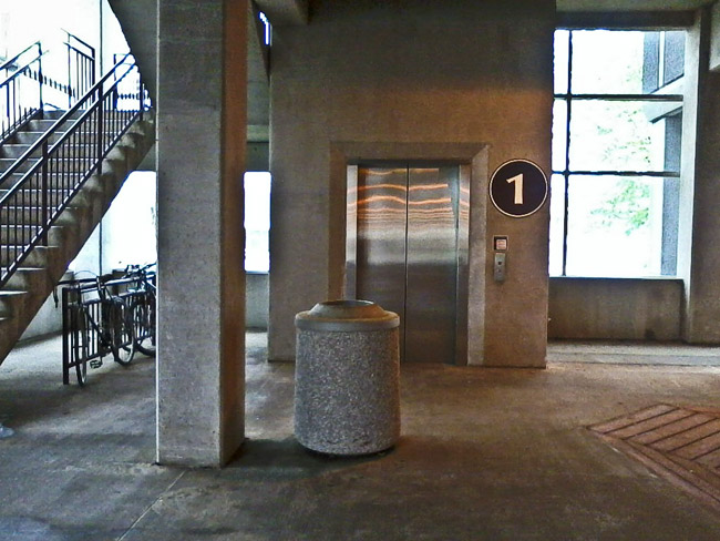 elevators private elevator allow to residents high autostadt an rise attached garage have car