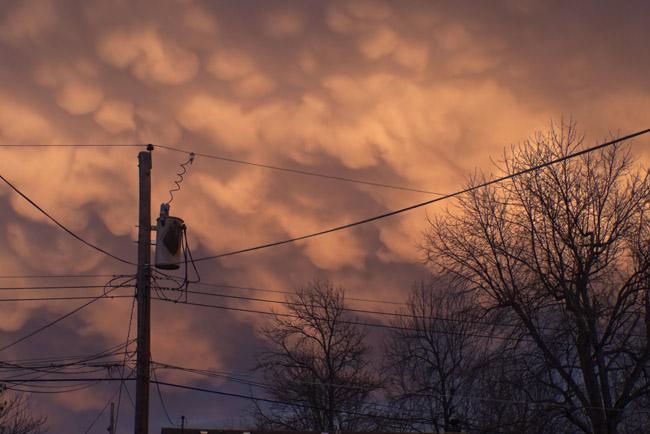 Mammatu Clouds decorated the Eastern Sky at Dusk