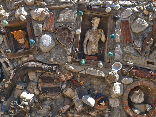 An interesting artist's wall in the hills of Pasadena