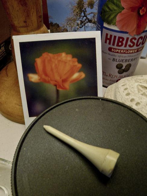 Golf tee, California Poppy and Hibiscus tea