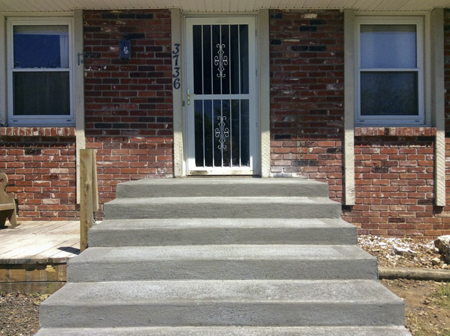 The new stoop has been poured and I would like to ask for recommendations on new step railings.