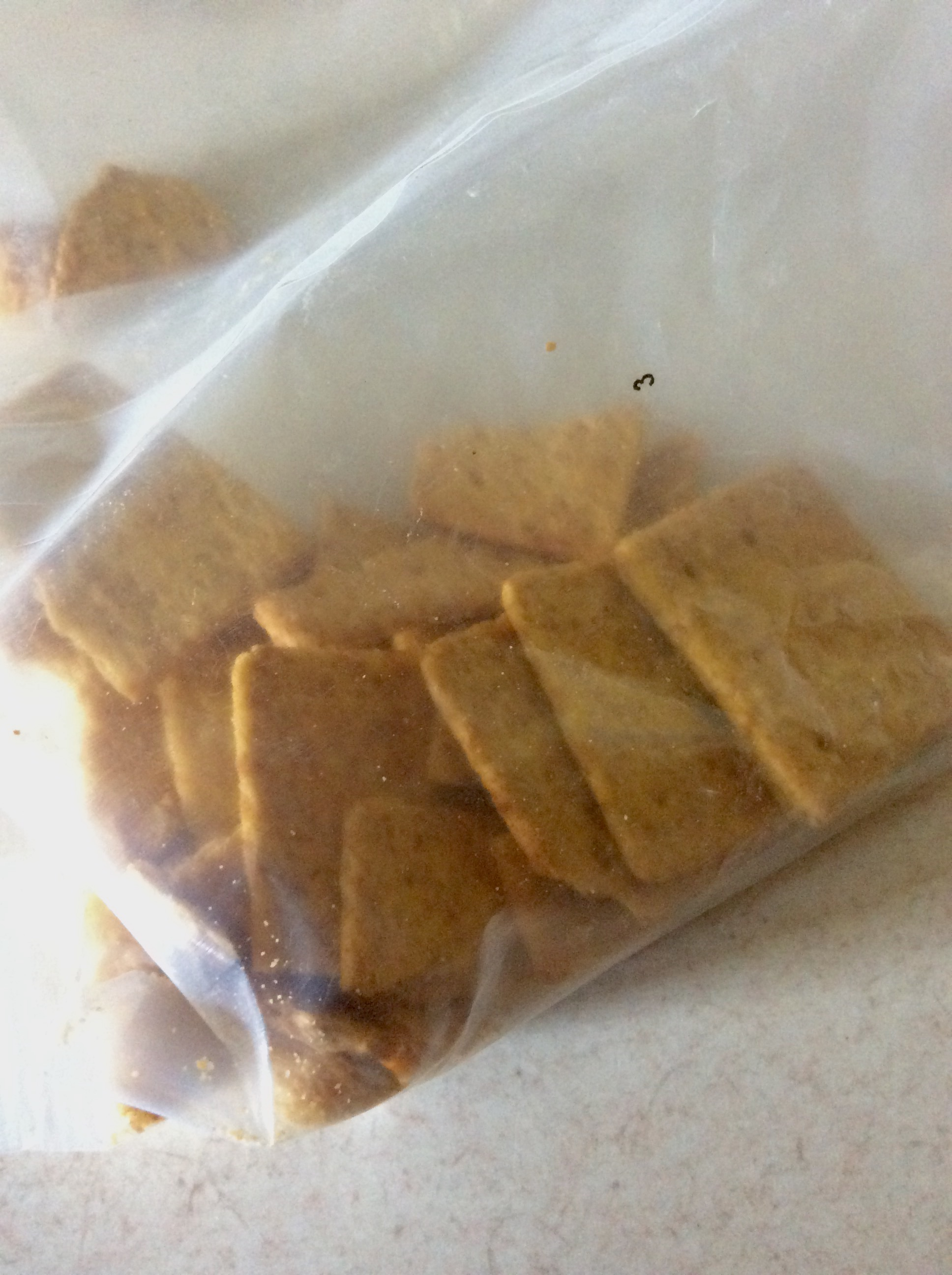Generic bag of wheat thin crackers