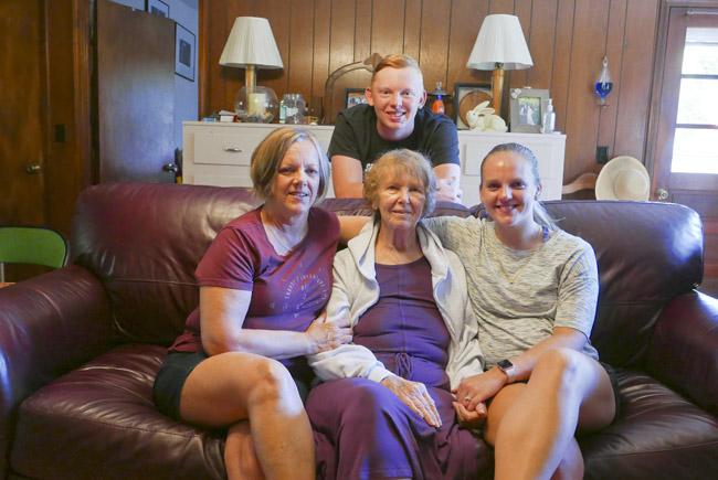 Elisa, Eileen, Allix, and Devin