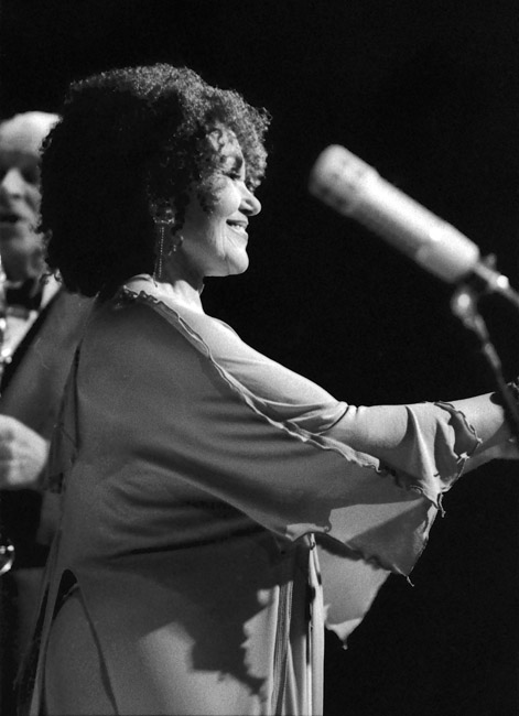 Cleo Laine on stage at Kimball's West, San Francisco, circa 1994