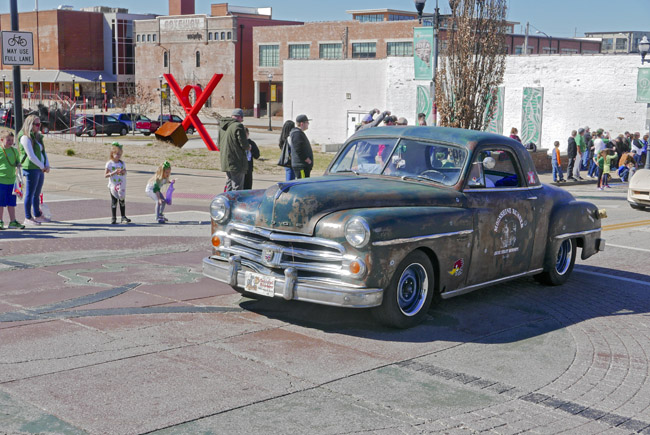 2019 Saint Patrick's Parade celebrating intoxicated hillbillies.