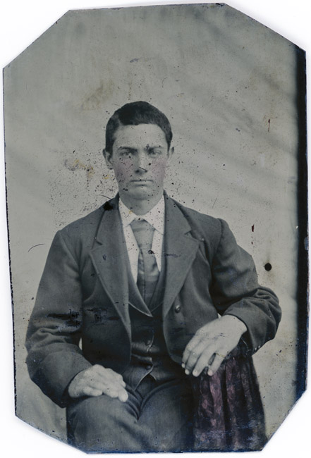 Tintype, Man with large knotted tie